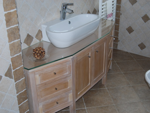 mobile in rovere sbiancato