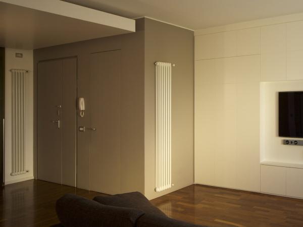 porta filo muro con portone blindato 2 ante